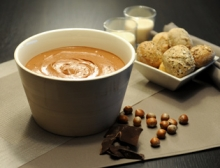 Arnouts praline chocolate spread is filled with hazelnuts and exquisite Belgian dark chocolate.